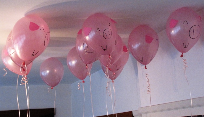 actual pig balloons 1 two lof bees