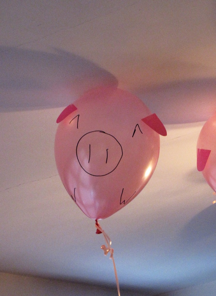 actual pig balloons 2 two lof bees